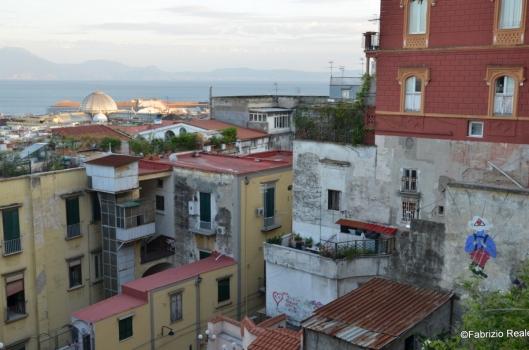 quartieri spagnoli con murales
